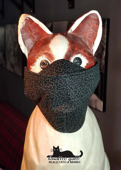 mascherina con coprinaso nera e piccola fantasia
