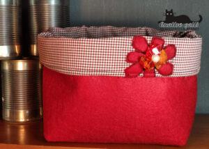 cestino feltro rosso e fiore